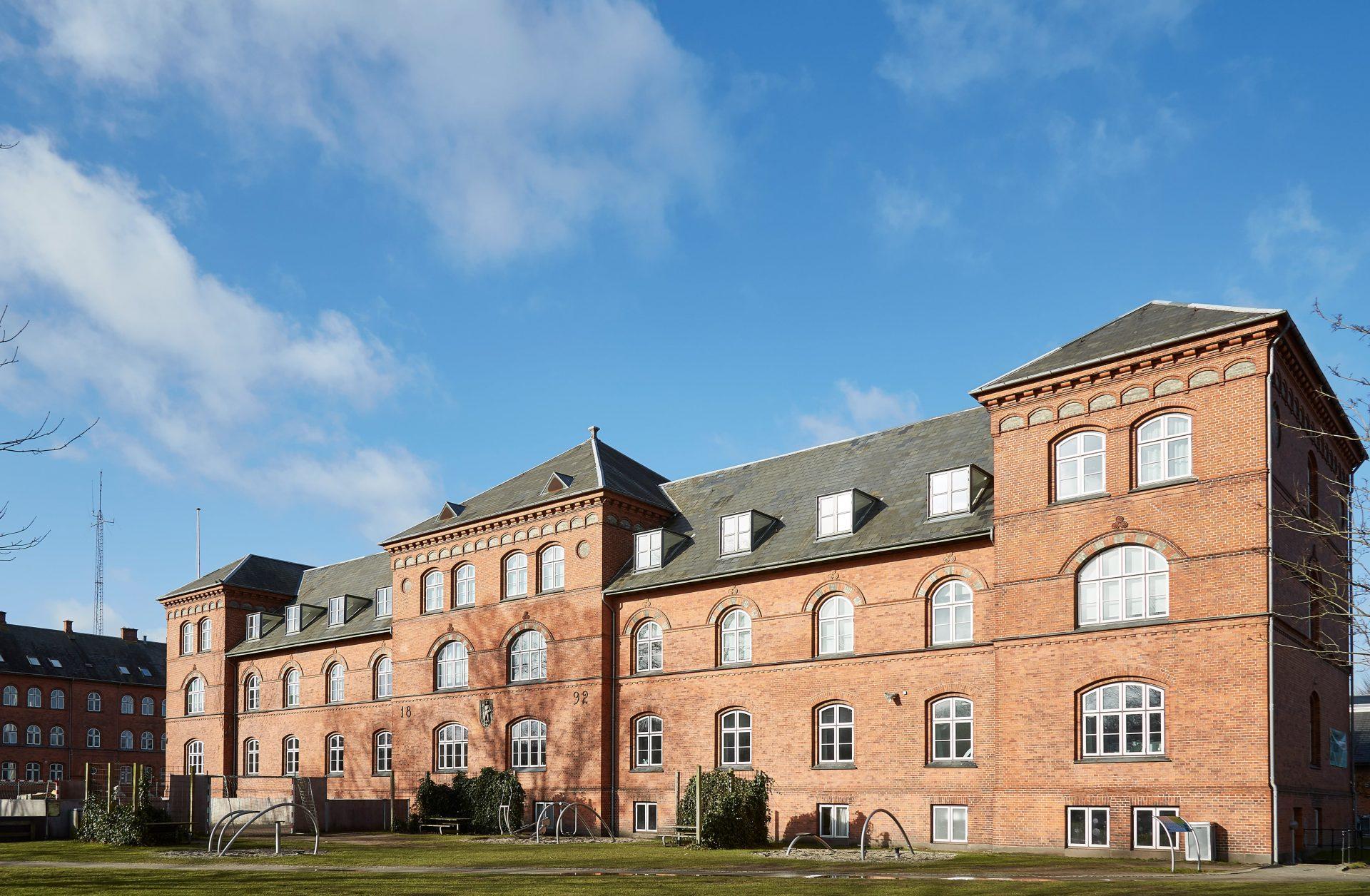 Hunnerupskolen-Front-Image-min